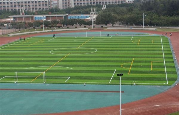 山东济南足球场建设